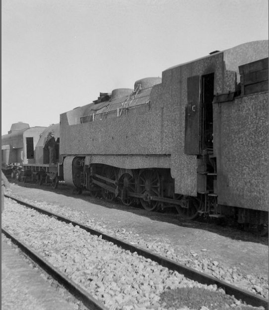 An armored train in Quinto (Fall, 1937).   ALBA Photo 11-0851, Tamiment Library, NYU