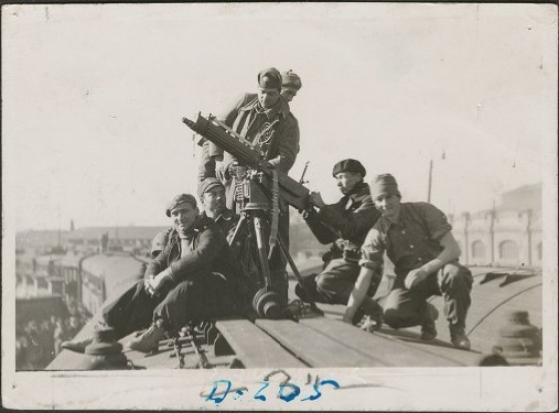 Anti-aircraft gunners on train